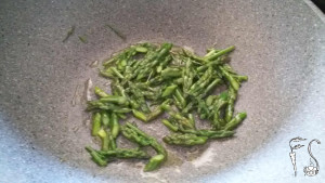 spaghetti al pesto di asparagi3