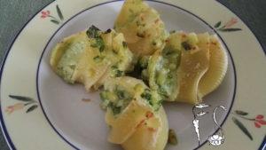 Lumaconi ripieni di ricotta e zucchine al forno